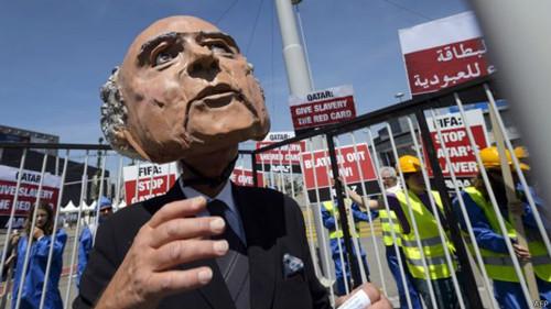 Блаттер заявил, что не уйдет досрочно с поста главы ФИФА - Спорт
